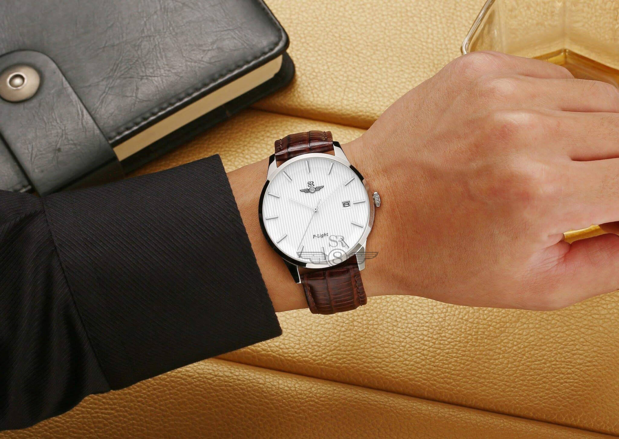 8 mẫu đồng hồ dây da nam giá tốt nhất hiện nay